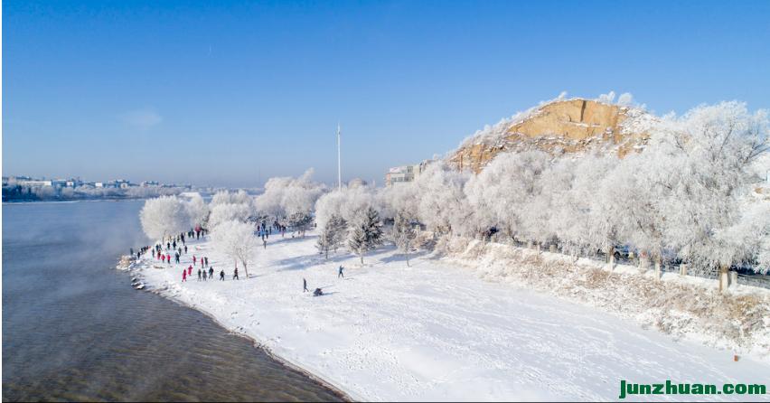 吉林出现今冬首场大面积雾凇景观